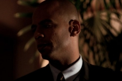 """Seriál Kriminálka Miami, čtrnáctý díl """"Spravedlnost"""" (sezona 1)."""